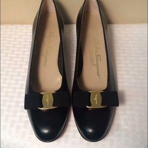 Salvatore Ferragamo black Vara Bow pump shoes heel
